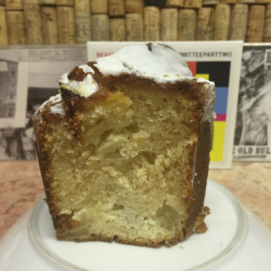 Jewish apple cake at Schlesinger's (photo by Lee Porter)